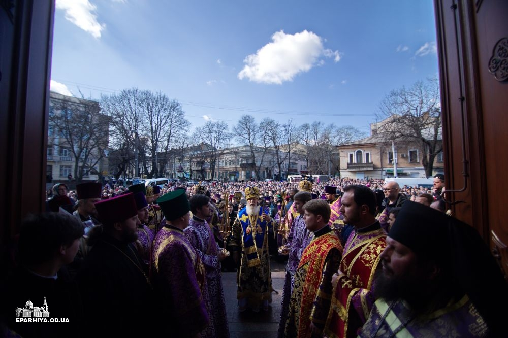 Procession of over 10,000 of canonical faithful in Odessa, Ukraine led by His Eminence Metropolitan Agafangel  on Sunday of Orthodoxy. One of many similar events around Ukraine on this day  (see       Diocesan Press Service  ).